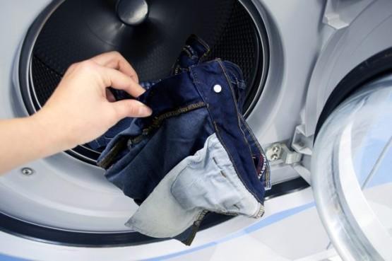 5 ошибок при стирке джинсов, которые портят их